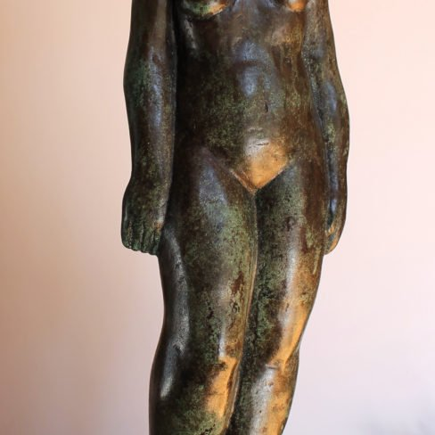 Image of TO' 'Woman standing'